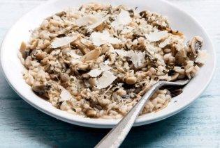 Η Αργυρώ Μπαρμπαρίγου δημιουργεί: Πεντανόστιμο ριζότο με κοτόπουλο και μανιτάρια  - Κυρίως Φωτογραφία - Gallery - Video