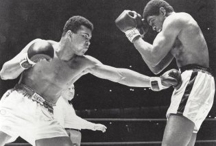 H Vintage φράση του Μοχάμεντ Άλι που έγραψε ιστορία - Εξευτέλισε για 15 γύρους τον  αντίπαλό του επειδή τον είχε προσβάλει!  - Κυρίως Φωτογραφία - Gallery - Video
