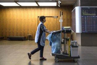 Καθαρίστρια μπήκε στη φυλακή για 10 χρόνια λόγω πλαστού απολυτηρίου Δημοτικού: Πολιτική θύελλα από την απόφαση - Παρέμβαση Αρείου Πάγου - Κυρίως Φωτογραφία - Gallery - Video