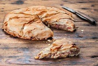 Αργυρώ Μπαρμπαρίγου: Τραγανή κρεμμυδόπιτα με καρύδια, φούλ σε Ω3 & φυτικές πρωτεΐνες - Κυρίως Φωτογραφία - Gallery - Video