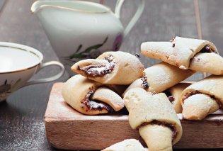 Ο Στέλιος Παρλιάρος φτιάχνει υπέροχα μπισκότα-κρουασάν με γλυκιά γέμιση - Κυρίως Φωτογραφία - Gallery - Video
