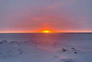 Αυτή η μικρή πόλη της Αλάσκα θα ξαναδεί το φως του ήλιου σε  65 ημέρες - Ως τον Ιανουάριο θα ζει την ατελείωτη πολική νύχτα - Κυρίως Φωτογραφία - Gallery - Video