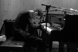 Ο εκπληκτικός πιανίστας Tigran Hamasyan στο Μέγαρο - Το μήνυμα του πριν τη μεγάλη εμφάνιση (φωτό -βίντεο) - Κυρίως Φωτογραφία - Gallery - Video