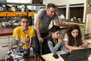Good News: Τρεις έφηβοι θα εκπροσωπήσουν την Ελλάδα στην Ολυμπιάδα Ρομποτικής στην Ταϊλάνδη - Κυρίως Φωτογραφία - Gallery - Video