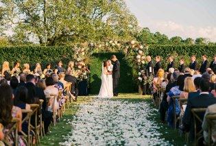 Η πρώην του γαμπρού εμφανίστηκε στον γάμο του και κατέστρεψε την τούρτα! (Φωτό) - Κυρίως Φωτογραφία - Gallery - Video