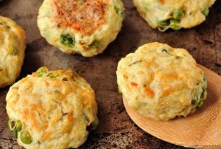 Η καλύτερη σπιτική συνταγή για πατατομπιφτέκια με τυρί και αρακά   - Κυρίως Φωτογραφία - Gallery - Video