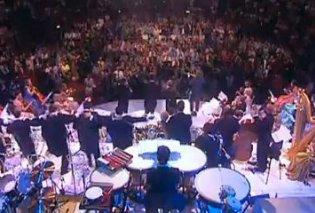 Με Ζορμπά ξεσηκώθηκε το κοινό σε κονσέρτο κλασικής μουσικής! (Βίντεο) - Κυρίως Φωτογραφία - Gallery - Video