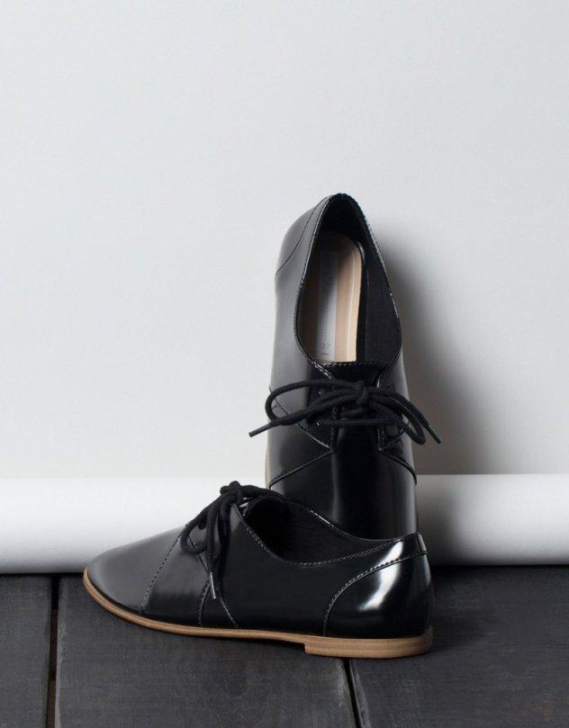e80508ba40a0 18 ζευγάρια φλάτ παπούτσια που θα αναδείξουν το στιλ σας για casual ή  βραδινά looks
