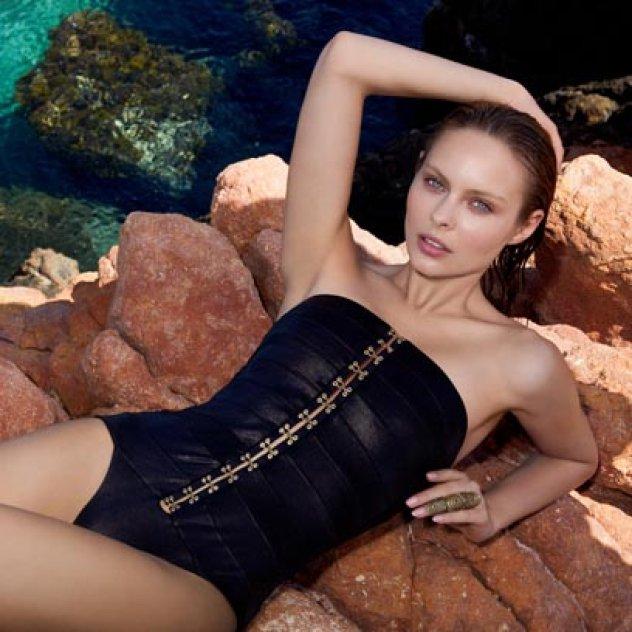 Μade in Greece η Μαριάννα Γουλανδρή - Βαρδινογιάννη   τα sexy chic μαγιό  της MariannaG Exclusive Swimwear 2015  f5956dc99af