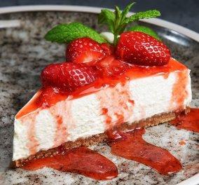 Γρήγορο, παγωμένο cheesecake από τον Άκη Πετρετζίκη - Φτιάξτε το & θα ενθουσιαστείτε! (βίντεο) - Κυρίως Φωτογραφία - Gallery - Video
