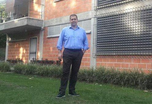 Σπύρος Γκόγκας: Το success story του «βασιλιά» των κουραμπιέδων στην Κολομβία - Κυρίως Φωτογραφία - Gallery - Video