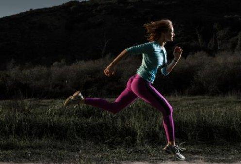 Νυχτερινό τρέξιμο: Τι ομορφότερο από το να τρέχεις το βράδυ σε έναν άδειο δρόμο ή σε ένα ήσυχο πάρκο;  - Κυρίως Φωτογραφία - Gallery - Video