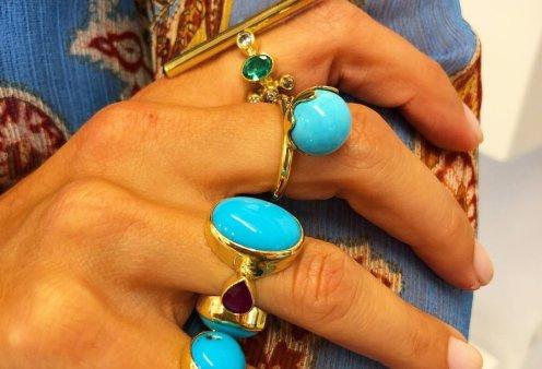Έλενα Βότση: Η δημοφιλής σχεδιάστρια κοσμημάτων στέλνει φως με τις πέτρες της από τα καλοκαίρια της Ύδρας σε όλο τον πλανήτη (Φωτό)  - Κυρίως Φωτογραφία - Gallery - Video