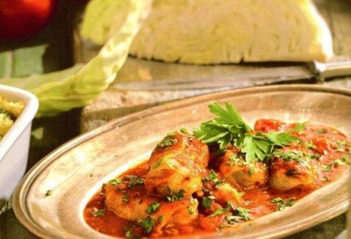Αργυρώ Μπαρμπαρίγου: Μας ετοιμάζει θεσπέσιο φαγητό  - Κοκκινιστοί λαχανοντολμάδες που θα σας ξετρελάνουν - Κυρίως Φωτογραφία - Gallery - Video
