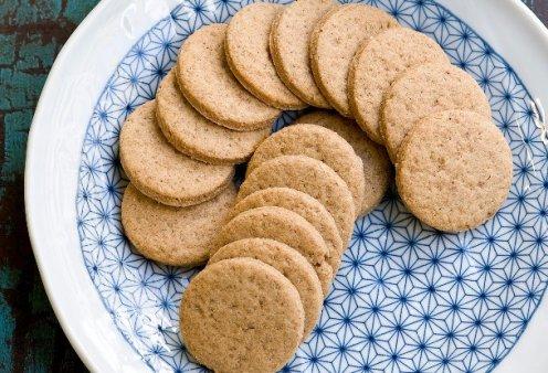 Ο Στέλιος Παρλιάρος μας φτιάχνει υπέροχα μπισκότα μαστίχας - Κυρίως Φωτογραφία - Gallery - Video