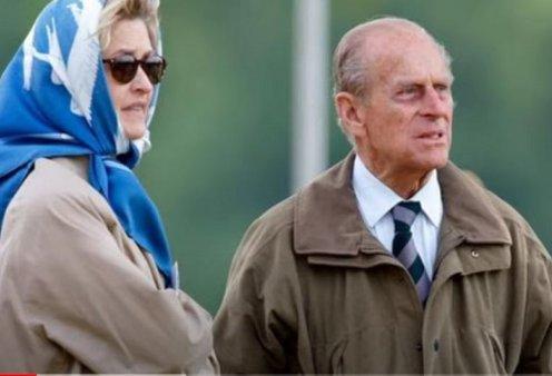 Κηδεία πρίγκιπα Φίλιππου: Η άφιξη της Κόμισσας Penny - Στενής φίλης & φημολογούμενης ερωμένης του - Το dress code της 67χρονης κολλητής του (φωτό) - Κυρίως Φωτογραφία - Gallery - Video