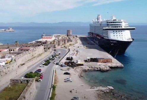 Good news απο την Ρόδο: Το πρώτο κρουαζιερόπλοιο του 2021 μόλις έφτασε στο λιμάνι του νησιού (βίντεο) - Κυρίως Φωτογραφία - Gallery - Video