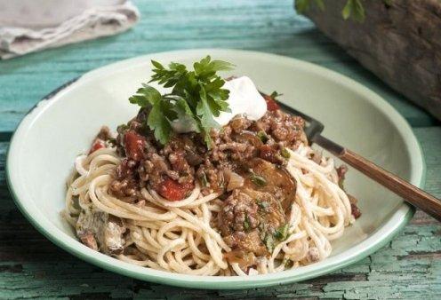 Αργυρώ Μπαρμπαρίγου: Μακαρόνια με κιμά, μελιτζάνα και γιαούρτι - Η παραλλαγή του αγαπημένου μας φαγητού που πρέπει να δοκιμάσετε - Κυρίως Φωτογραφία - Gallery - Video