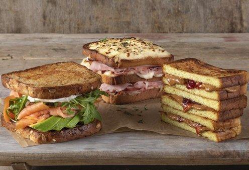 Snack Time: Ο Άκης Πετρετζίκης μας δίνει συμβουλές για να αναβαθμίσουμε το τοστ, το σάντουιτς ή το μπριοσοσαντουιτσάκι μας σε 3 κινήσεις - Κυρίως Φωτογραφία - Gallery - Video