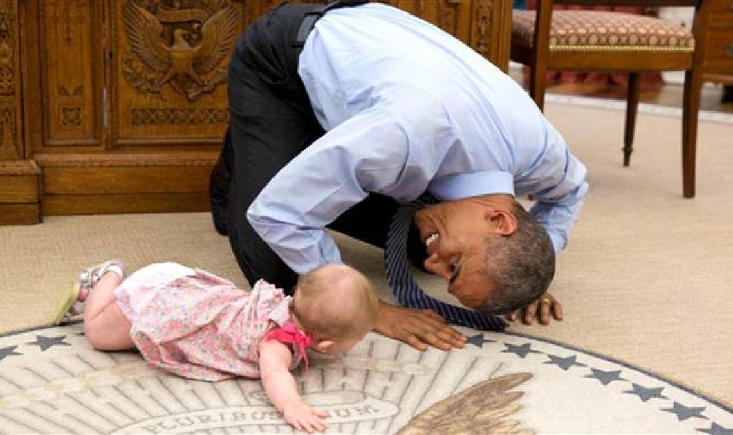 Ο Μπαράκ Ομπάμα έγινε νήπιο και μπουσουλάει πλάι στο όμορφο μωρό που θα δείτε εδώ! (φωτό & βίντεο) - Κυρίως Φωτογραφία - Gallery - Video
