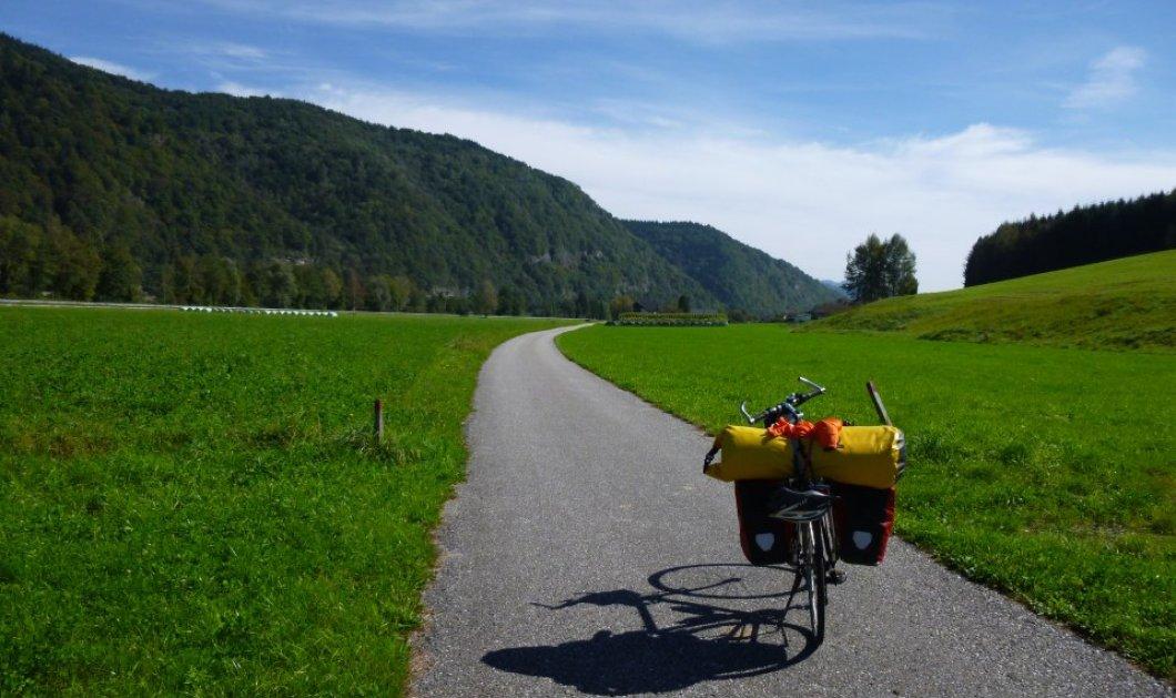 Γνωρίστε την Ευρώπη καβάλα σε ένα ποδήλατο & με ωτοστόπ - Η Σ.Ζούμπου έκανε ένα πρωτότυπo ταξίδι & μιλά για τις εμπειρίες της! - Κυρίως Φωτογραφία - Gallery - Video