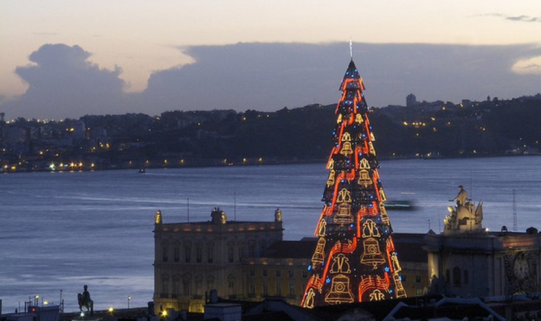 Καλημέρα! Πάμε να δούμε τα 10 ομορφότερα χριστουγεννιάτικα δένδρα ever; Από τη Λισαβόνα στο Ρίο κι από το Μεξικό στο Πεκίνο! (slideshow) - Κυρίως Φωτογραφία - Gallery - Video