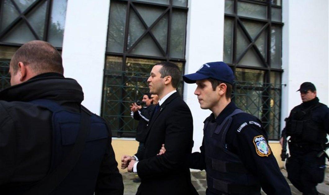 Ενοχή των δημοσιογράφων ζητεί ο εισαγγελέας στην εκδίκαση μήνυσης του Ηλία Κασιδιάρη! - Κυρίως Φωτογραφία - Gallery - Video
