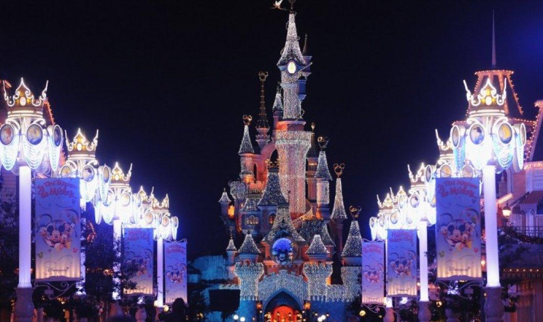 Ο Χριστουγεννιάτικος γύρος του κόσμου: Πώς στολίστηκε το Λονδίνο, η Σιγκαπούρη, το Παρίσι, η Ν. Υόρκη: Με εκατομμύρια φώτα! (φωτό) - Κυρίως Φωτογραφία - Gallery - Video