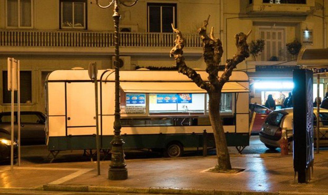 Γιατί έκλεισε η καντίνα της πλατείας Μαβίλη - Το θρυλικό «βρώμικο» που το έμαθε όλη η Ελλάδα, αναγκάστηκε να μεταφερθεί στο ισόγειο μια πολυκατοικίας - Κυρίως Φωτογραφία - Gallery - Video