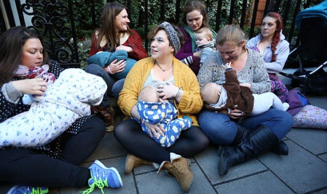 Και το σικ Claridges γέμισε απ' έξω με μητέρες που θήλαζαν τα μωρά τους! Τι συνέβη; (slideshow) - Κυρίως Φωτογραφία - Gallery - Video