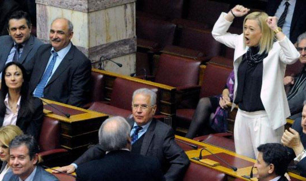 Ποιοι μπαίνουν & ποιοι φεύγουν από την Βουλή: Μέσα Β. Οικονόμου, Ρ. Μακρή, εκτός Τ. Κουίκ & Α. Γκερέκου; 6 από τις 7 μονοεδρικές με ΣΥΡΙΖΑ! - Κυρίως Φωτογραφία - Gallery - Video
