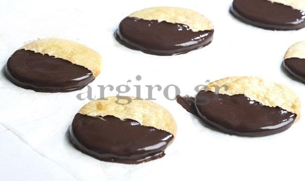 Μπισκότα βουτύρου με επικάλυψη σοκολάτας της Αργυρώς Μπαρμπαρίγου - Το τέλειο συνοδευτικό του καφέ σας! - Κυρίως Φωτογραφία - Gallery - Video