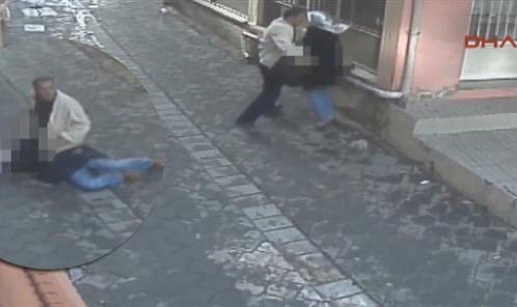 Τουρκία: Μαχαίρωσε τη γυναίκα του στη μέση του δρόμου επειδή ζήτησε να χωρίσουν! (Βίντεο)  - Κυρίως Φωτογραφία - Gallery - Video