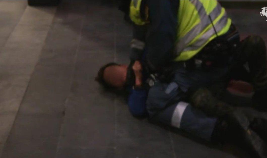 Απίστευτο περιστατικό στη Σουηδία: Αστυνομικός χτυπάει 9χρονο μετανάστη επειδή δεν επικύρωσε εισιτήριο! (βίντεο) - Κυρίως Φωτογραφία - Gallery - Video