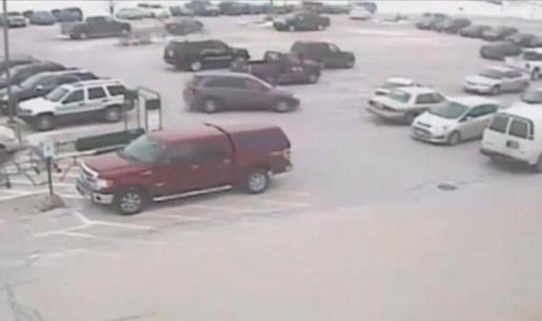 Βίντεο: O χειρότερος οδηγός του κόσμου είναι... 92 ετών και τράκαρε 10 οχήματα! - Κυρίως Φωτογραφία - Gallery - Video