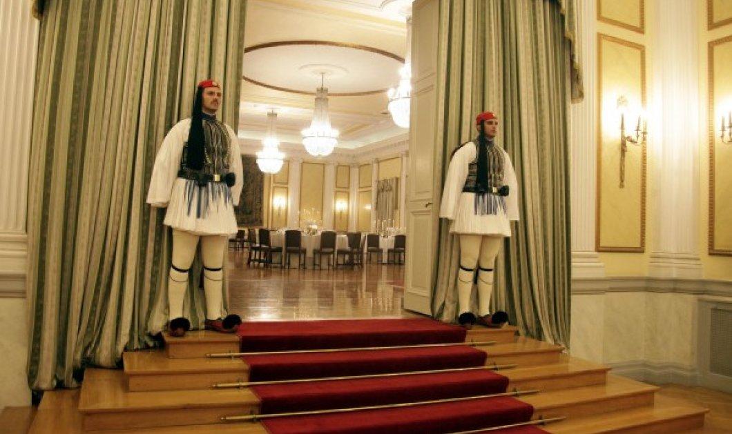 Το πρώτο τετ α τετ Τσίπρας - Σαμαρά - Τώρα γεύμα στο Προεδρικό Μέγαρο με οικοδεσπότη Παπούλια! - Κυρίως Φωτογραφία - Gallery - Video