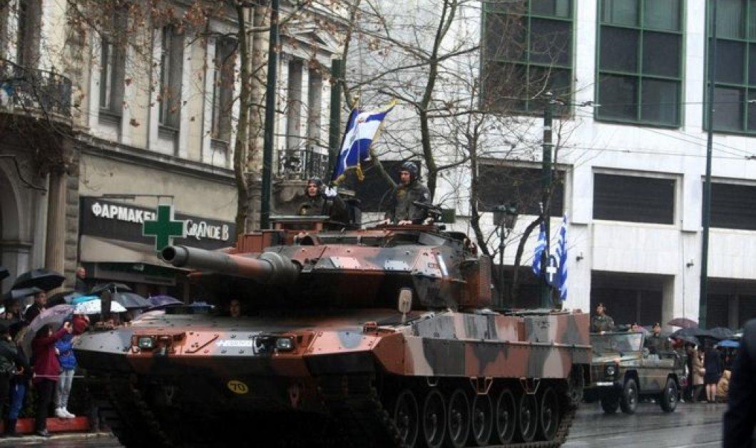 Με επιτυχία ολοκληρώθηκε η στρατιωτική παρέλαση στο Σύνταγμα χωρίς κιγκλιδώματα & με πλήθος κόσμου! (φωτό) - Κυρίως Φωτογραφία - Gallery - Video