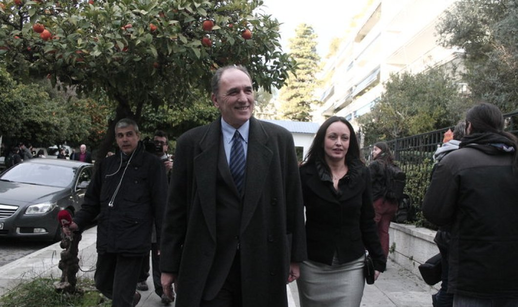 Οι νέες κυρίες Υπουργών πλην Δανάης! Ποιες είναι οι σύζυγοι του Σταθάκη ή του Σκουρλέτη; Ποια Σκωτσέζα & ποια Γερμανίδα;  - Κυρίως Φωτογραφία - Gallery - Video