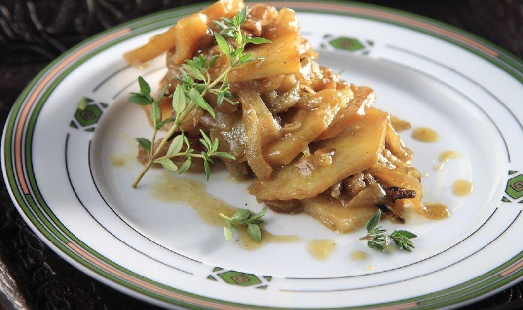 Πεντανόστιμες ψητές πατάτες με καραμελωμένα κρεμμύδια από τον ταλαντούχο σεφ Άκη Πετρετζίκη! - Κυρίως Φωτογραφία - Gallery - Video