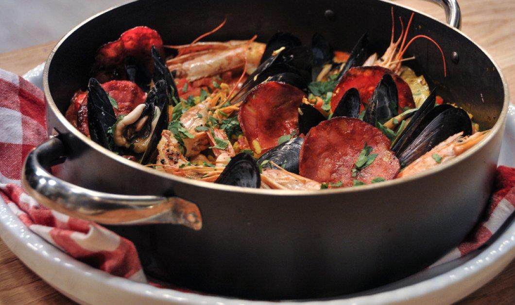 Πεντανόστιμη Paella από την... καρδιά της Ισπανίας μας προτείνει ο ωραίος μας σεφ Άκης Πετετζίκης - Κυρίως Φωτογραφία - Gallery - Video