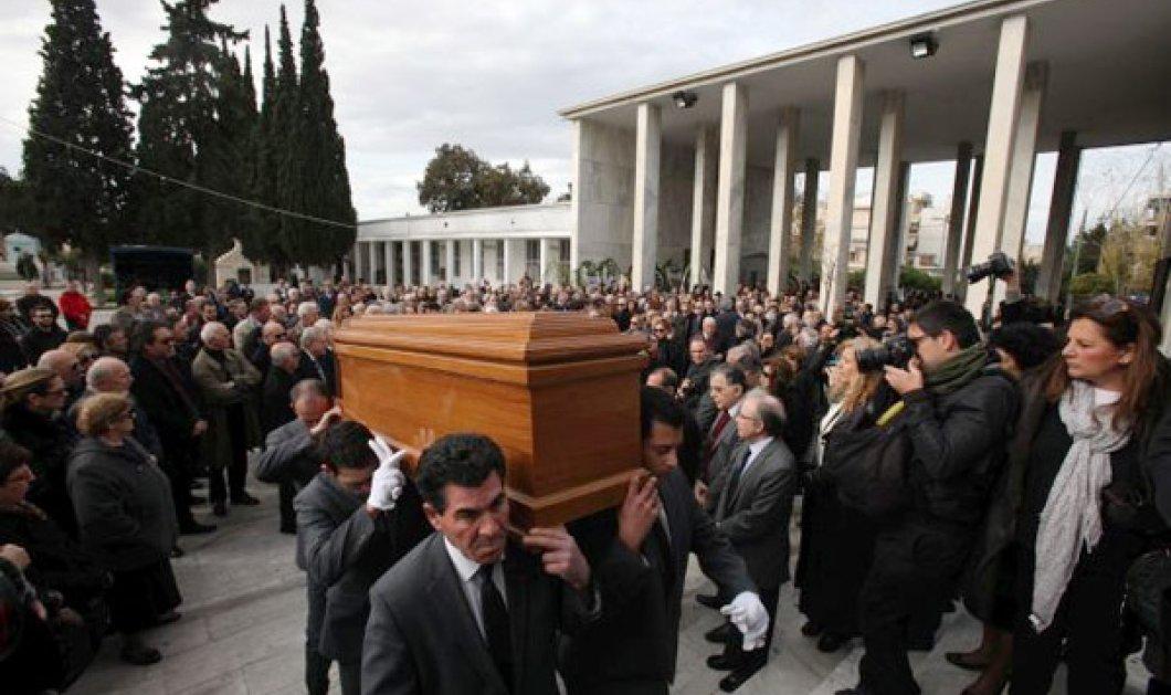 Το τελευταίο αντίο στον Σερ της δημοσιογραφίας - Ποιοί αποχαιρέτησαν τον Σεραφείμ Φυντανίδη! (φωτογραφίες)  - Κυρίως Φωτογραφία - Gallery - Video