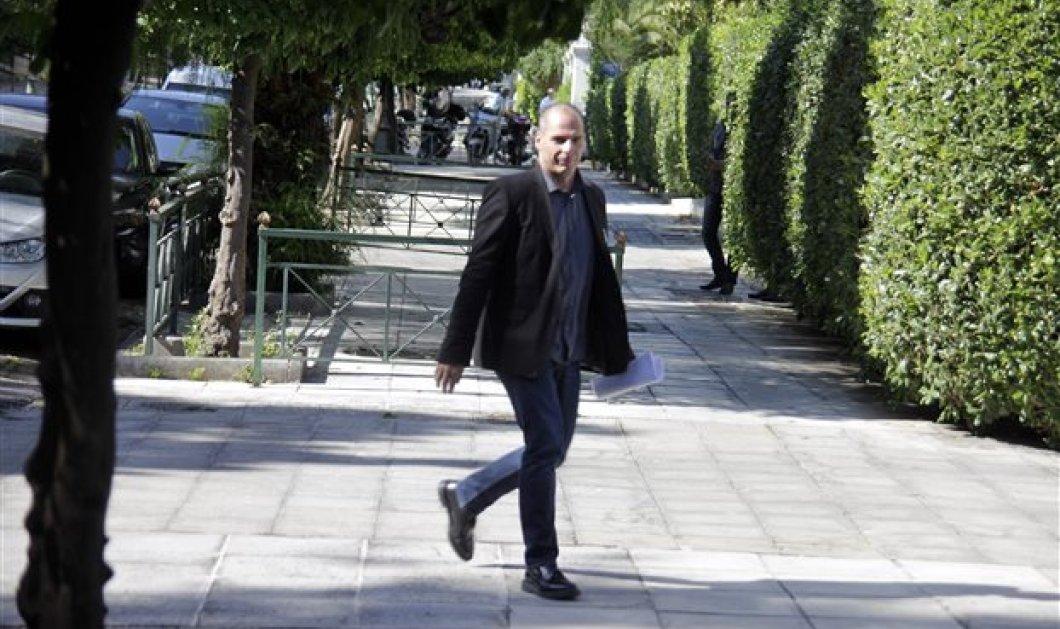 Άγριος καυγάς Βαρουφάκη - Κασιδιάρη στη Βουλή - '''Ησασταν φυλακή για τις εγκληματικές σας πράξεις'' (βίντεο) - Κυρίως Φωτογραφία - Gallery - Video