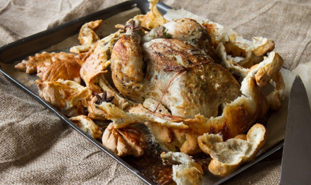 Αχ ο Άκης μας σήμερα ζωγραφίζει! Κοτόπουλο μέσα σε ζύμη ψωμιού με αρωματικό  βούτυρο! Μπράβο Πετρετζίκη σεφ - Κυρίως Φωτογραφία - Gallery - Video