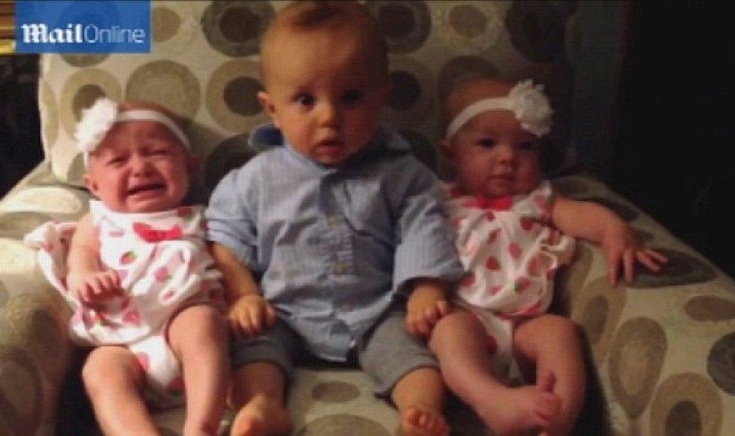 Βίντεο: Μωρό συναντά για πρώτη φορά τη δίδυμη αδελφή της μαμάς του - Κυρίως Φωτογραφία - Gallery - Video