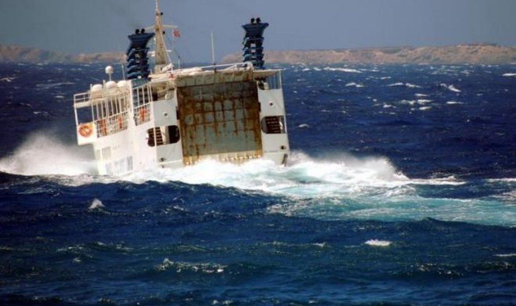 Βγαλμένο από κινηματογραφική ταινία - Καρέ - καρέ η ''μάχη'' του πλοίου «Σκοπελίτης» με τα κύματα! (βίντεο) - Κυρίως Φωτογραφία - Gallery - Video