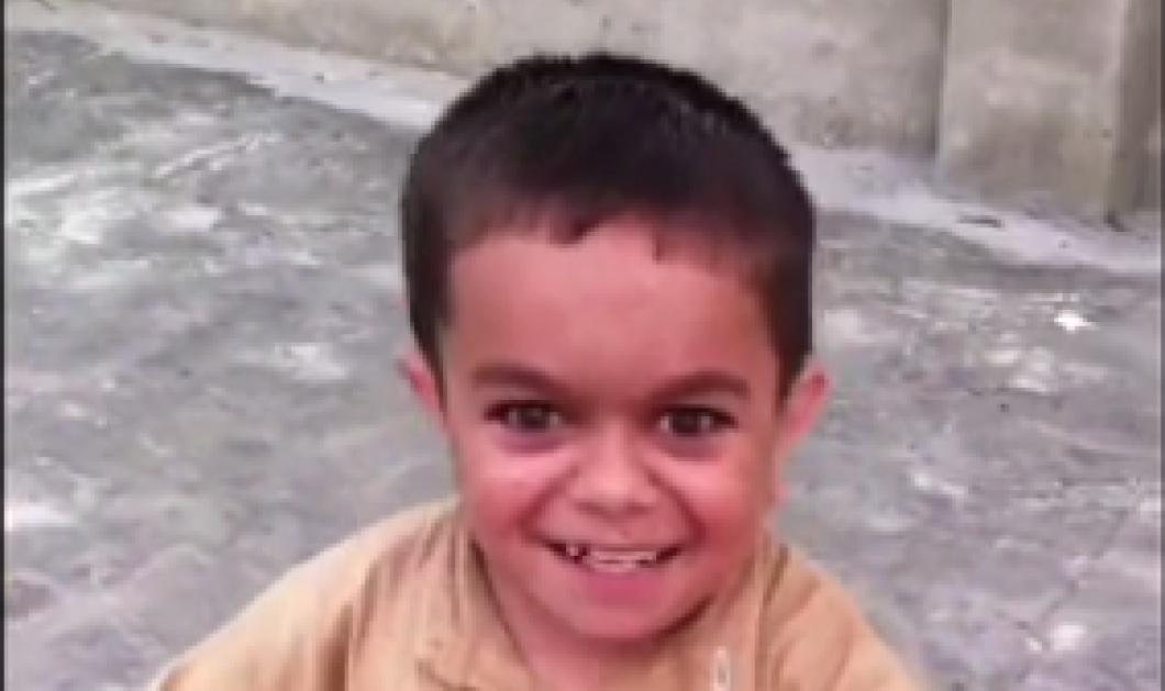 """Μικρός θεούλης Πακιστανάκος χορεύει απίθανα σε ρυθμό λαϊκού τραγουδιού: enjoy τον viral """"αρχηγό""""  - Κυρίως Φωτογραφία - Gallery - Video"""