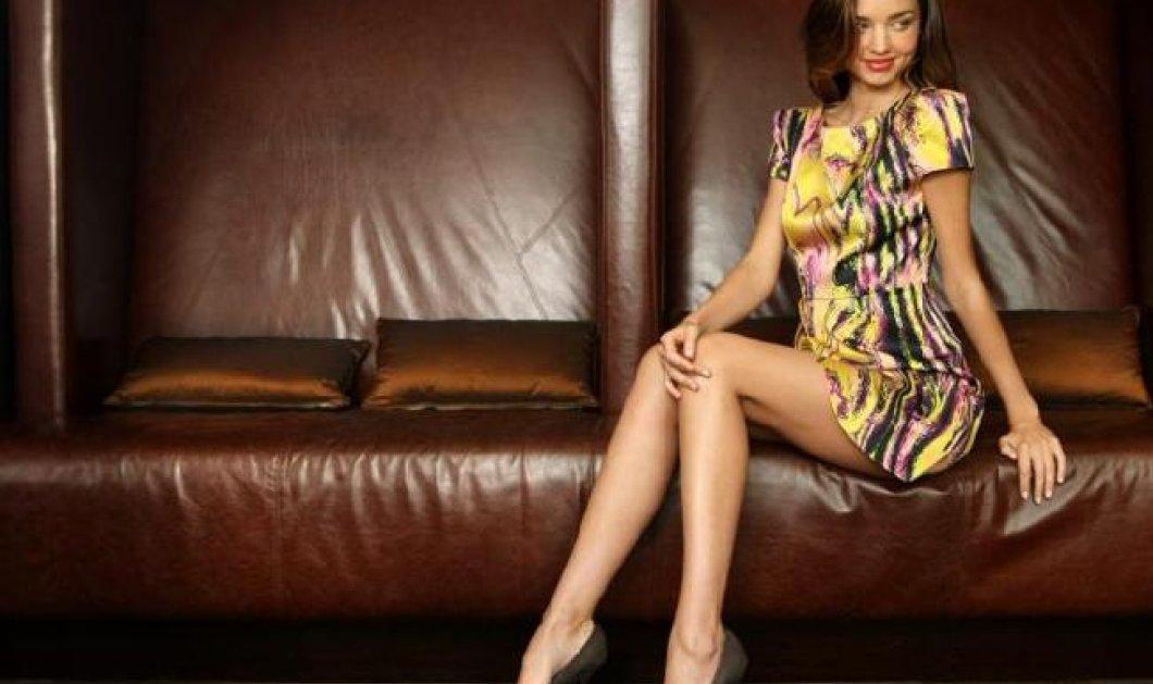 Merry Christmas από την Μιράντα Κερ - Δείτε το αποκαλυπτικό σέξι ασπρόμαυρο video που κυκλοφορεί στο διαδίκτυο! - Κυρίως Φωτογραφία - Gallery - Video