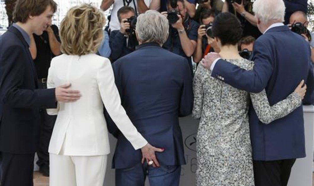Δείτε την Τζέιν Φόντα που ξεσήκωσε τις Κάννες όταν έπιασε τον π@π@ του Χάρβεϊ Καϊτέλ: ''Εχω πάθος μένω νέα'' - Κυρίως Φωτογραφία - Gallery - Video