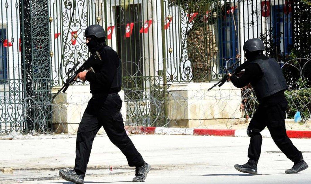 Τυνησία: Μακελειό με 17 νεκρούς τουρίστες από πυρά στο Κοινοβούλιο - Νεκροί οι δράστες (φωτό & βίντεο) - Κυρίως Φωτογραφία - Gallery - Video