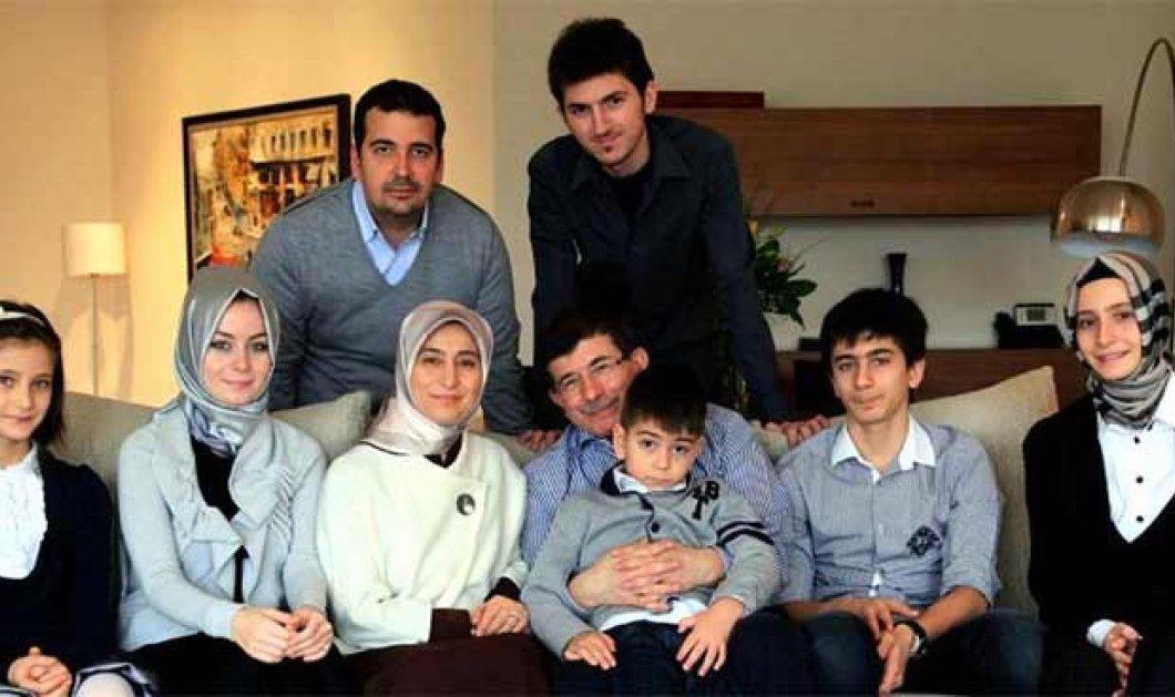 Ποιος είναι ο «Χότζα» Νταβούτογλου & η γυναικολόγος σύζυγός του Σάρα; Τι πιστεύει για τις γυναίκες; Φωτό άλμπουμ του ισχυρού ζεύγους της Τουρκίας! - Κυρίως Φωτογραφία - Gallery - Video